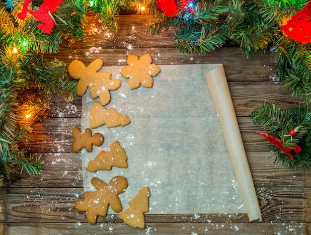 Festliche tabelle mit weihnachtsplätzchen