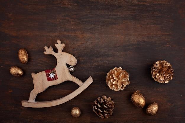 Festliche weihnachtsweinlesedekoration. vorlage von weihnachten gree