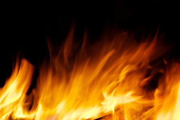 Feuer auf dunkelheit