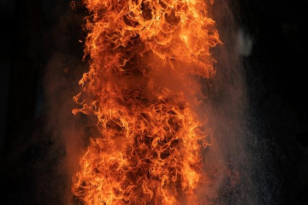 Feuerflammen durch gasexplosion