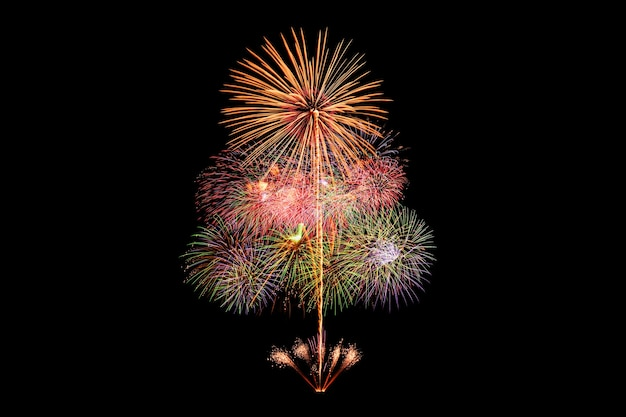 Feuerwerk auf schwarzem hintergrund