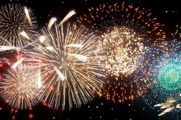 Feuerwerk silvester. abstrakter hintergrundurlaub.