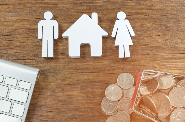 Figuren lieben. geld, sparplanung, finanzen, versicherung, geschäftswachstum und familie co