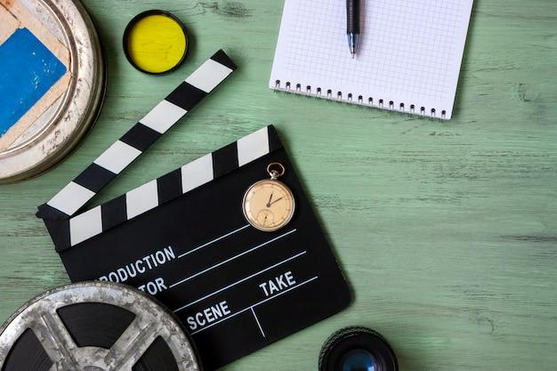 Filmklappe und filmrolle