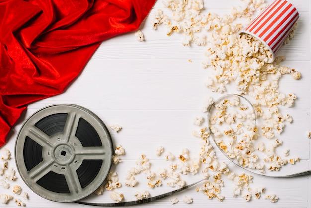 Filmspule und popcorn hintergrund