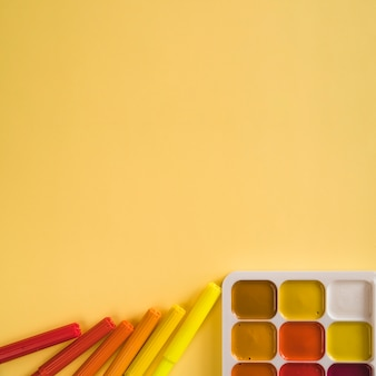 Filzstifte und aquarellfarbe