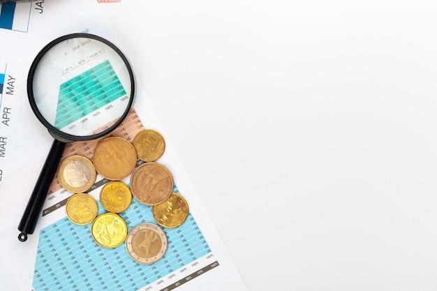 Finanzbuchhaltung des schreibtischbürogeschäfts berechnen hintergrund