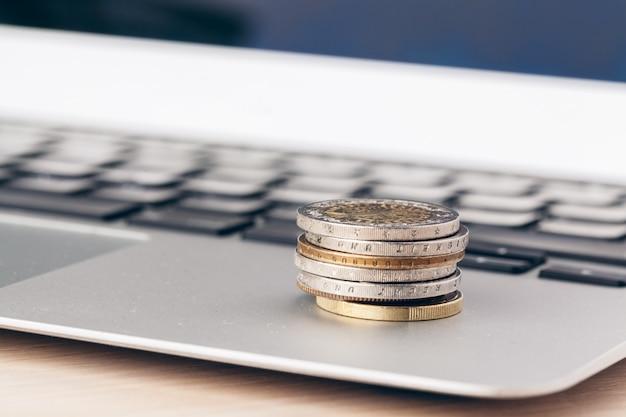 Finanzielle, nahaufnahme des geldes auf betriebswirtschaftlichen hintergrund