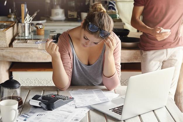 Finanzielle probleme und wirtschaftskrise