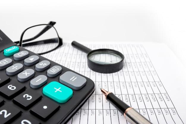 Finanzkonzepte, finanzzahltabellen und taschenrechner