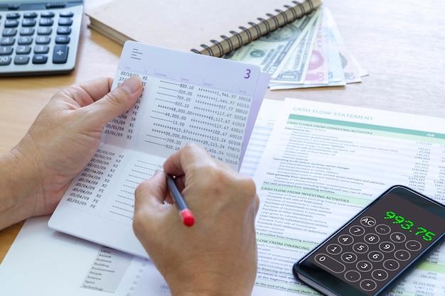 Finanzplanung und cashflow-analyse
