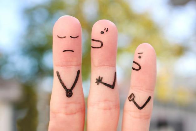 Finger kunst der familie während des streits. konzept der frau schreit auf ehemann.