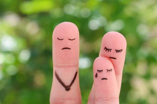 Finger kunst der familie während des streits. konzept mutter gibt dem kind nicht die möglichkeit, mit seinem vater zu kommunizieren. idee eltern geschieden, kind blieb bei mutter.