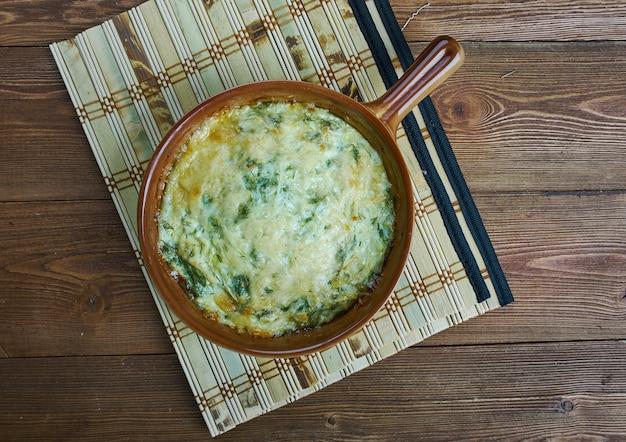 Firinda kabak mucveri - türkisches gericht, zucchini-auflauf