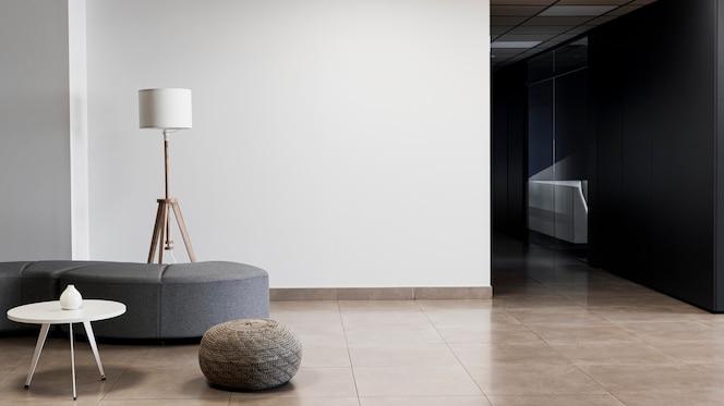 Firmengebäude mit minimalistischem leerraum und kopierraum