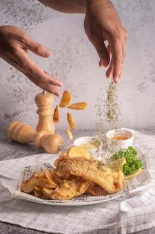 Fisch und mit pommes frites