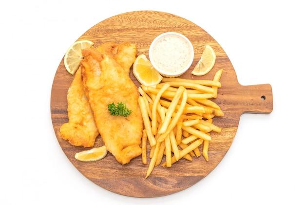 Fisch und pommes mit pommes frites
