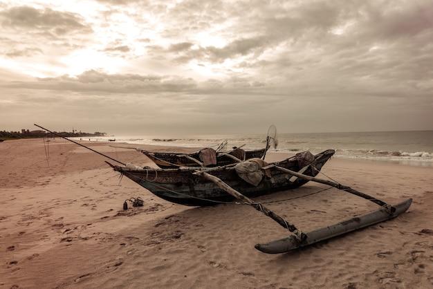 Fischerboot auf sri lanka.