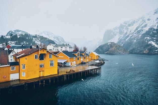 Fischerdorf nusfjord in norwegen
