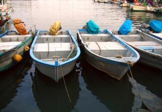 Fischerhafen in der abenddämmerung