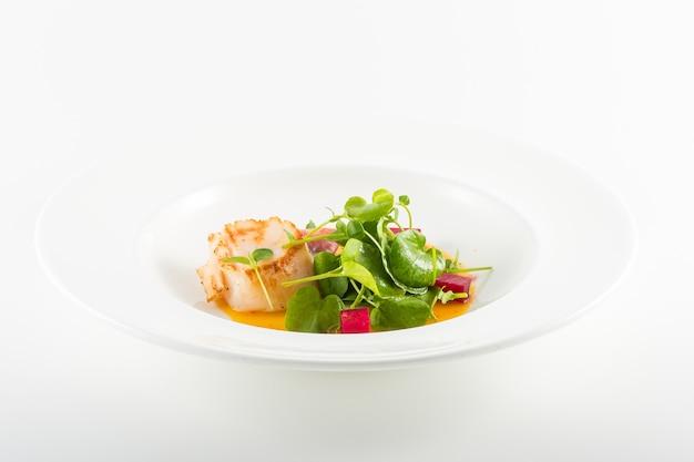 Fischfilet mit conongos-salat