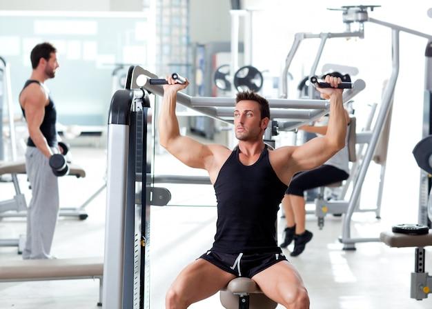 Fitness-sport-gymnastik-gruppe von menschen training