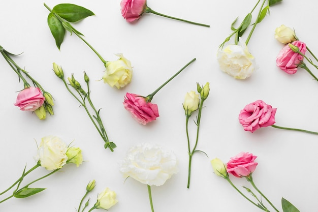 Flach gelegte mini-rosen-anordnung