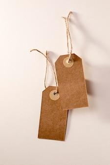 Flach gelegtes leeres etikettensortiment