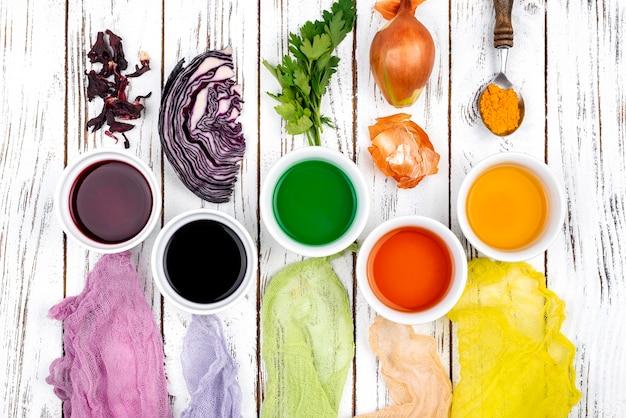 Flach gelegtes organisches farbstoffpigment