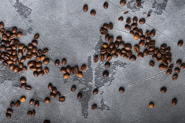 Flach lag auf gerösteten kaffeebohnen