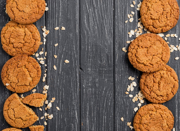 Flach legen sie kekse frames mit textfreiraum