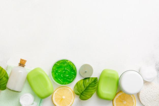 Flach liegende kosmetische produkte