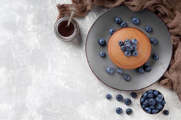 Flach liegende süße bäckereikomposition mit kopierraum
