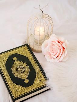 Flache anordnung mit geschlossenem koran