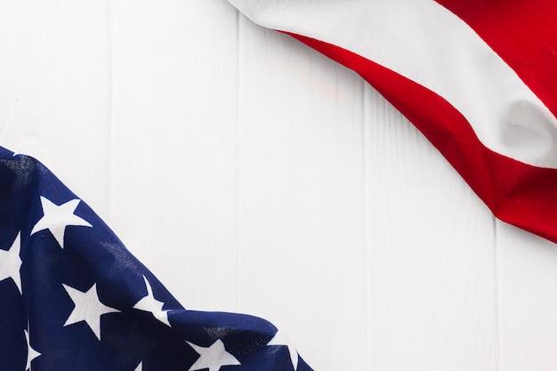 Flache lage der amerikanischen flagge für unabhängigkeitstag