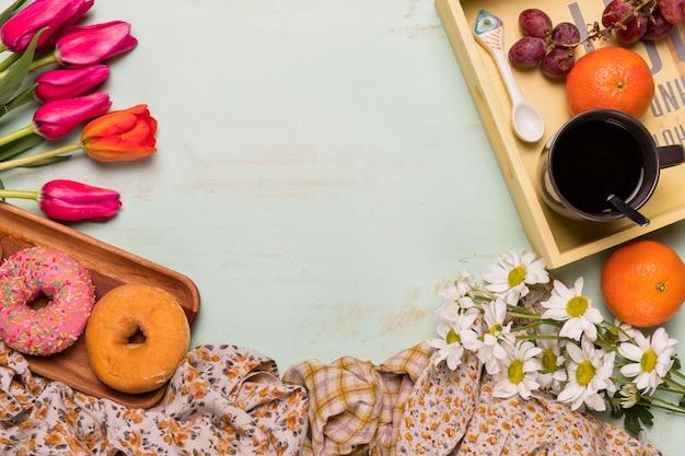 Flache lage des bunten frühstücks