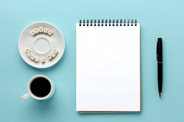 Flache lage des chef-tageskonzepts mit kopierraum