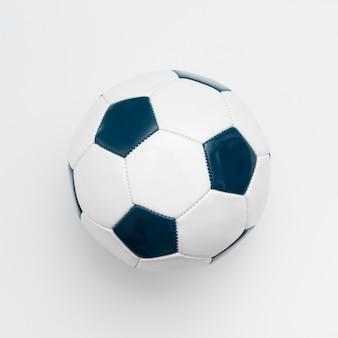 Flache lage des fußballs