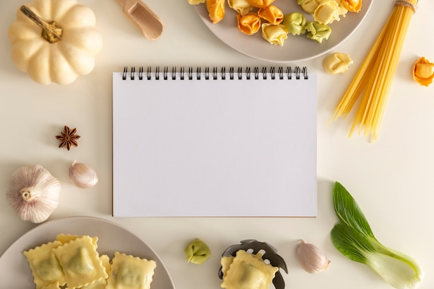 Flache lage des köstlichen nahrungsmittelkonzepts mit kopierraum
