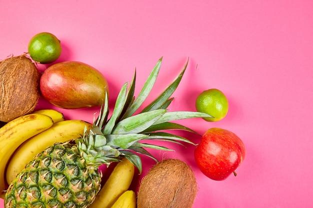 Flache lage exotischer früchte.