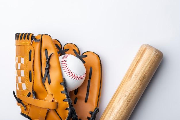 Flache lage von baseball und glvoe
