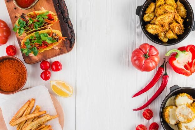 Flache lage von mexikanischem essen