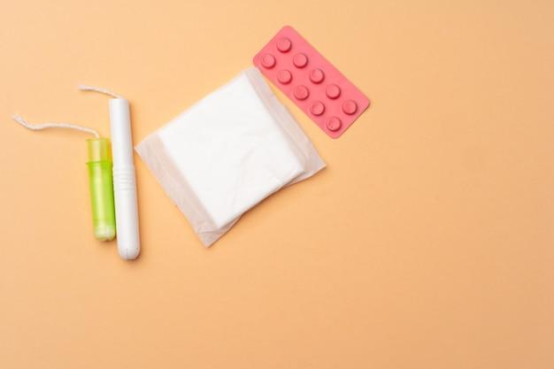 Flache lage von pads, tampons und pillen