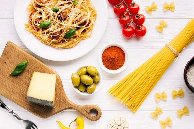 Flache lagezusammensetzung des italienischen lebensmittels