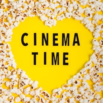 Flache laie popcorn herzform