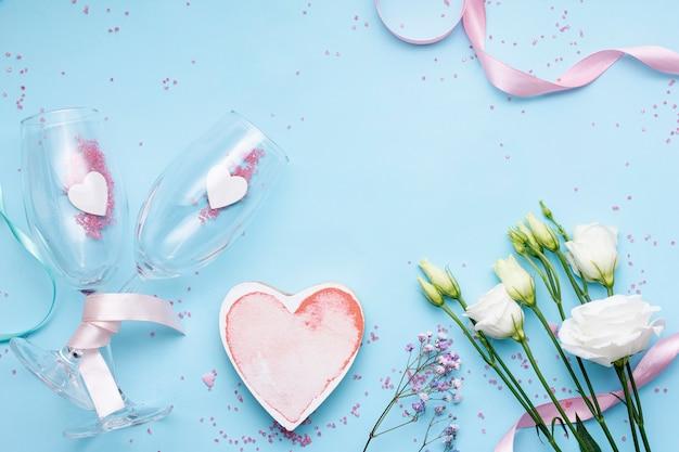Flache laienanordnung für valentinstagereignis