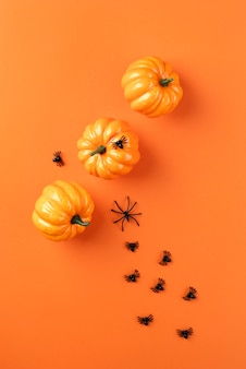 Flache laienzusammensetzung kreative halloween-elemente