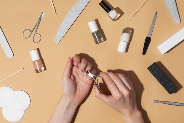Flache stilllebenzusammensetzung von nagelpflegeprodukten