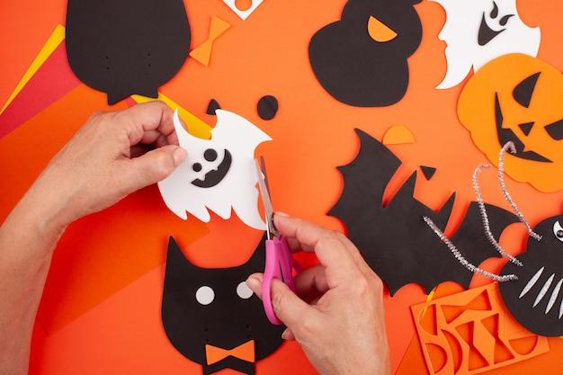 Flache verlegung der halloween-dekoration