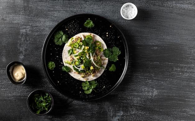 Flacher taco-rahmen mit kopierraum